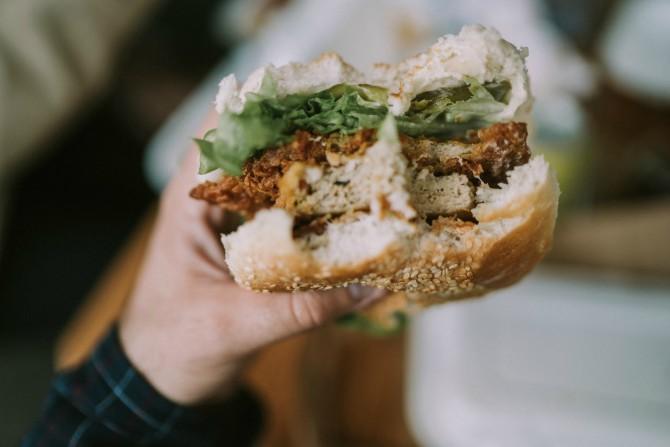 pileci sendvic Pileći sendvič sa karijem