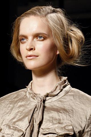 DonnaKaren V 17dec10 b Beauty trendovi za proleće/leto 2011.