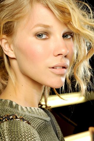 MichaelKors V 17dec10 b Beauty trendovi za proleće/leto 2011.