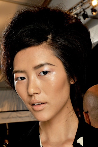 VeraWang2 V 17dec10 b Beauty trendovi za proleće/leto 2011.