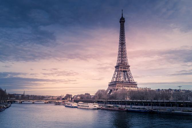 ajfelova kula Preživeti, proživeti i doživeti Pariz