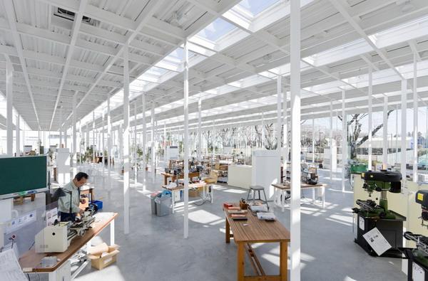 01 Kanagawa Institute of Technology by Junya Ishigami Wannabe intervju: Miloš Mirosavić