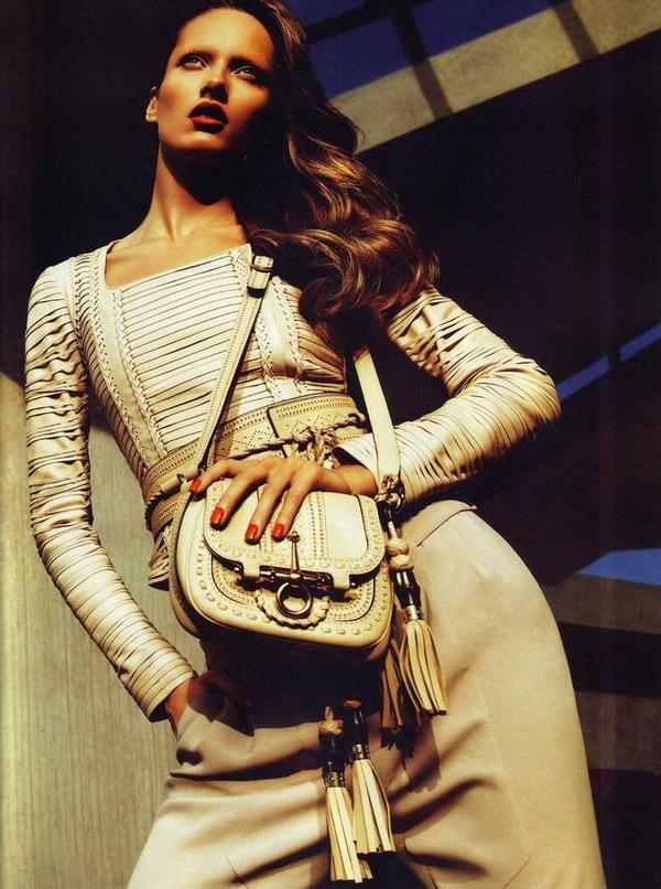 36161 800w Reklamna kampanja: Gucci proleće/leto 2011.