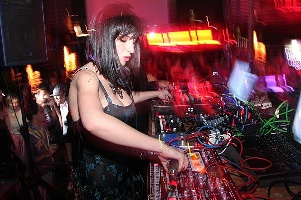 @ Exile Belgrade live with Abe Duque Devojka za primer: Tijana T