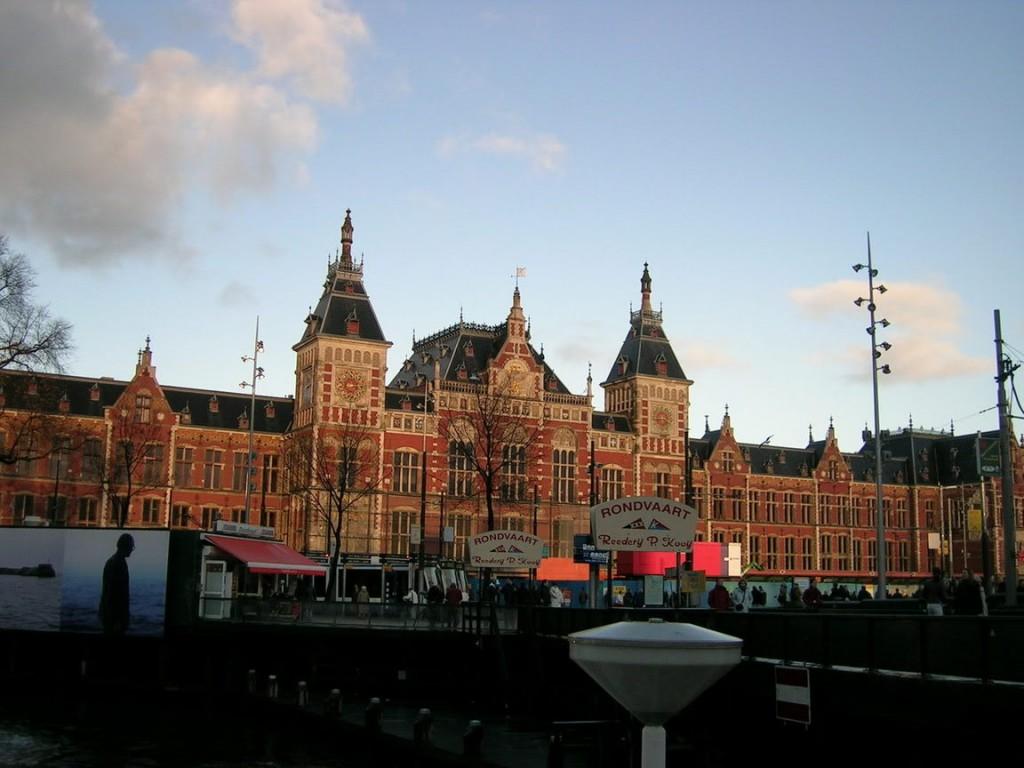 adam central station 1024x768 I AMsterdam