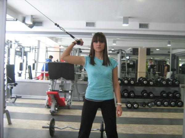 izolacija bicepsa zavrsni polozaj Dobar trening: Definicija mišića ruku