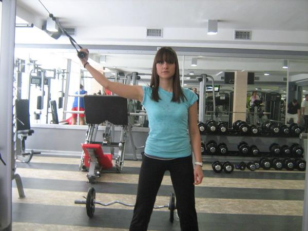 izolacija bicepsa Dobar trening: Definicija mišića ruku
