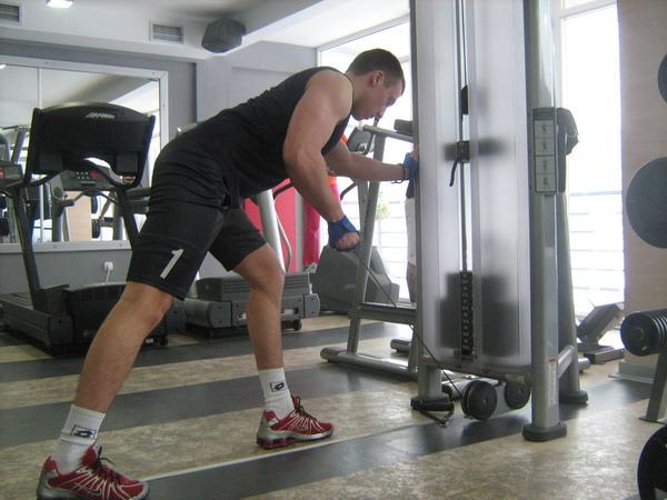 kick backizolacija tricepsa1 Dobar trening: Definicija mišića ruku