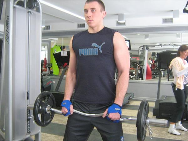 pregib sa nathvatombiceps+brachialis Dobar trening: Definicija mišića ruku