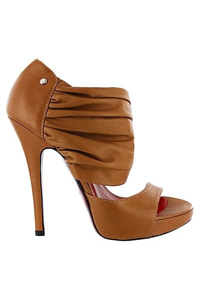 CesarePaciottiSS11 18 Cesare Paciotti kolekcija cipela za proleće/leto 2011.