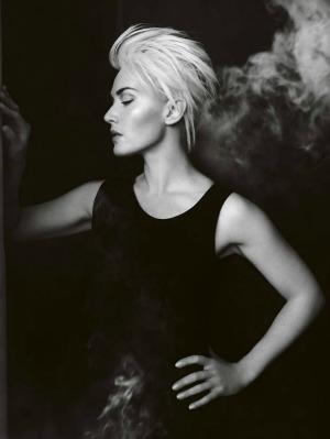 Kate Winslet Vogue UK 021 Kate Winslet