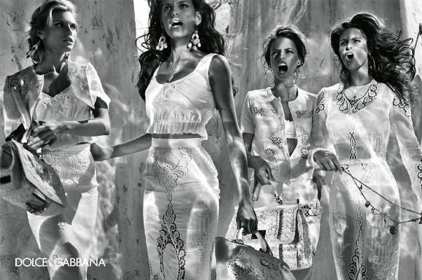 izabel goulart maryna linchuk alessandro ambrosio isabeli fontana steven klein dolce gabbana spring summer 2011 2 Dolce & Gabbana reklamna kampanja za proleće/leto 2011.