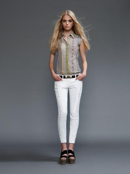 versace2011springwomen6 Versace lookbook proleće/leto 2011.