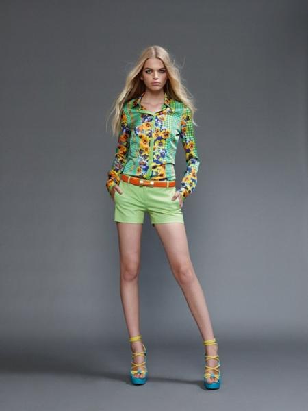 versace2011springwomen8 Versace lookbook proleće/leto 2011.