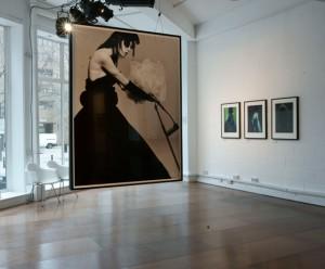 yohis women1 300x248 Dve velike izložbe revolucionarnih modnih dizajnera