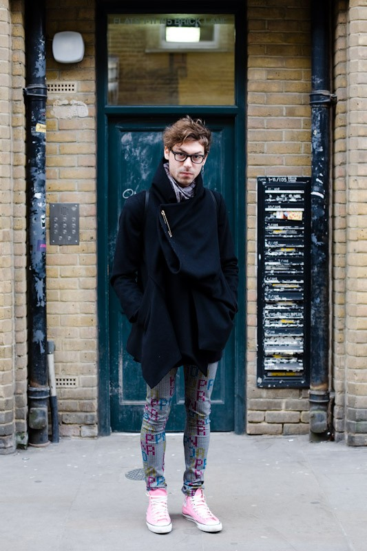 090222 the man with the cape london brick lane market 12 Street style man
