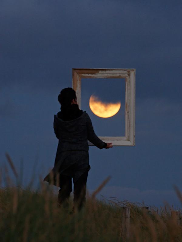ATT000431 Mesečeva umetnost