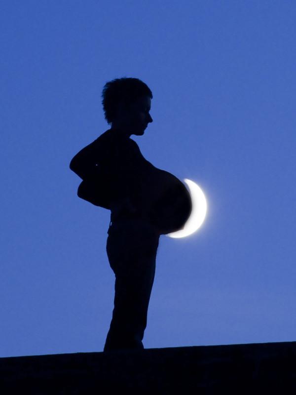 ATT000913 Mesečeva umetnost
