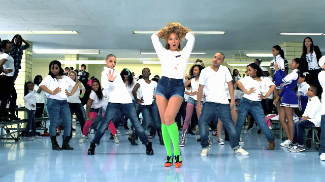 Beyonce Move Your Body music video Beyonce poručuje: Move Your Body