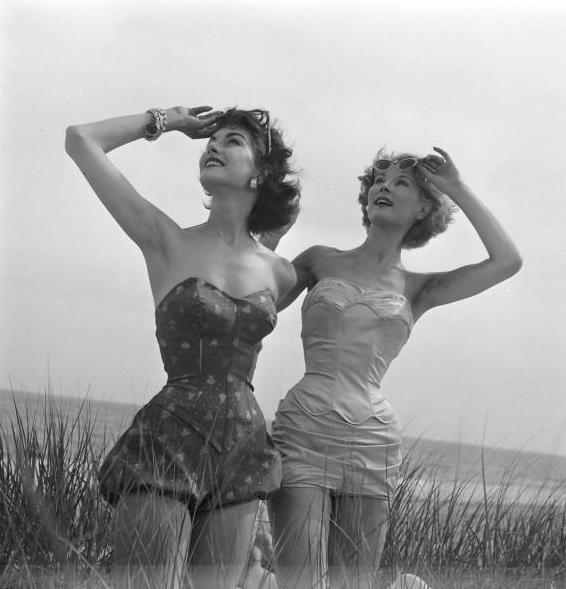 July 1952   Nina Leen.224190820 large Vintage swimwear