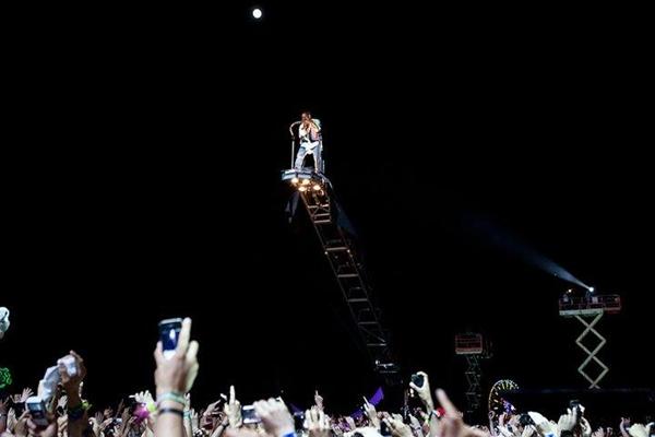 KANYE2 Kanye West @ Coachella 2011.