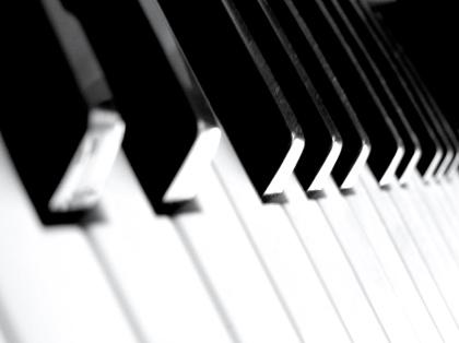 Piano by lubroz Ugasi svetla i pusti muziku!