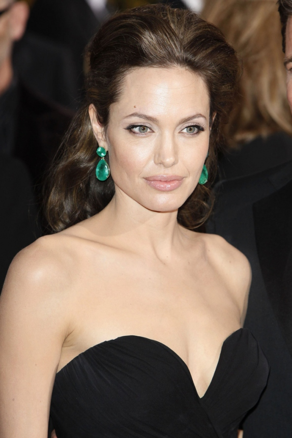 angelina jolie styles emerald earrings 102349 Style of Jolie kolekcija nakita