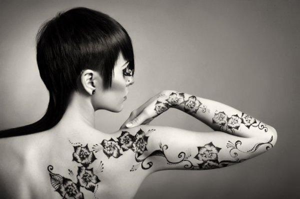 black and white tattoo Wannabe intervju: Milica Šišalica
