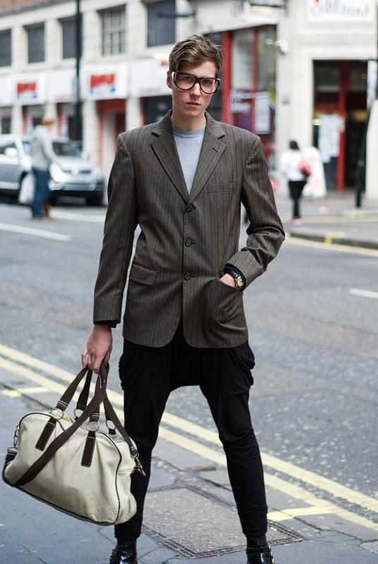 bordeauxbook332 Street style man