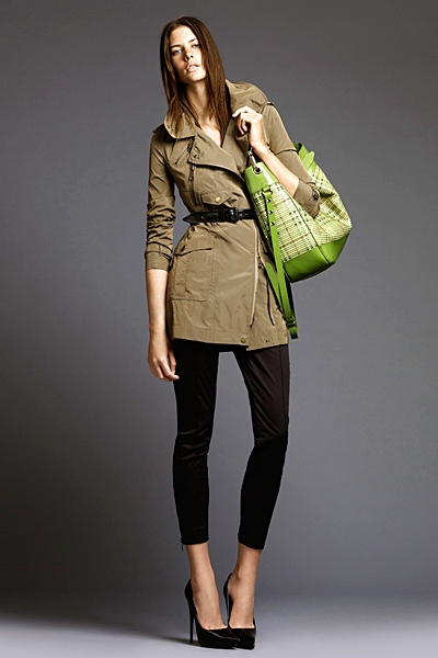 burberrylondonmenwomenswear2011springsummer1292292080 Lookbook Burberry London proleće 2011.