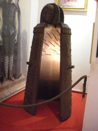 iron maiden Muzej srednjovekovnih sprava za mučenje, Prag