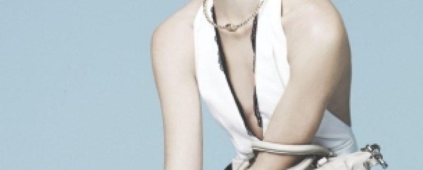 """Sasha Pivovarova za """"Vogue Korea"""""""