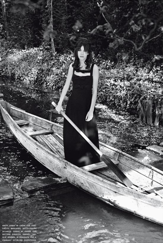 320 Alexa Chung za Vogue Italia
