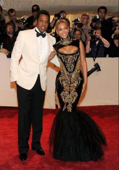 Beyonce nova sada Crveni tepih: MET Ball 2011