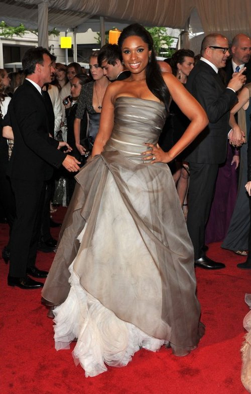 Jennifer Hudson in Vera Wang Crveni tepih: MET Ball 2011