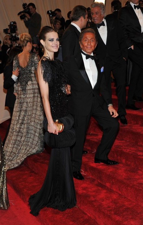 Natalia Vodianova and Valentino Crveni tepih: MET Ball 2011