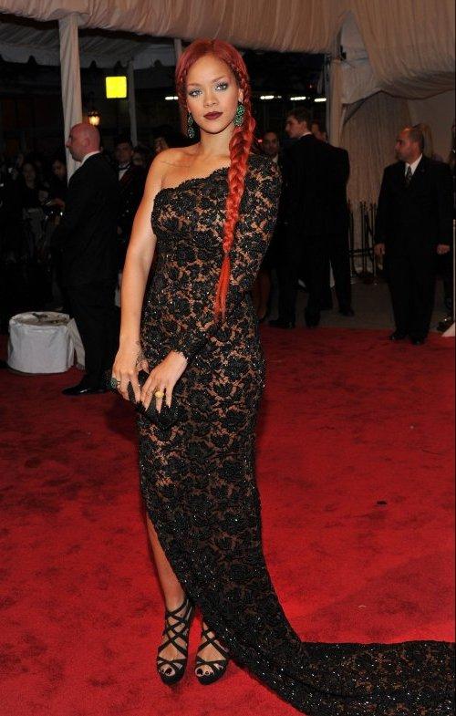 Rihanna nova Crveni tepih: MET Ball 2011