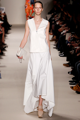 akris 1 Prolećni trend: Duge haljine i suknje