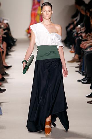 akris 4 Prolećni trend: Duge haljine i suknje