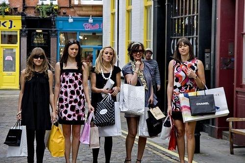 girls shopping Kratka pravila za kratka putovanja
