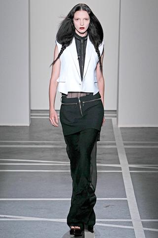 givenchy 2 Prolećni trend: Duge haljine i suknje