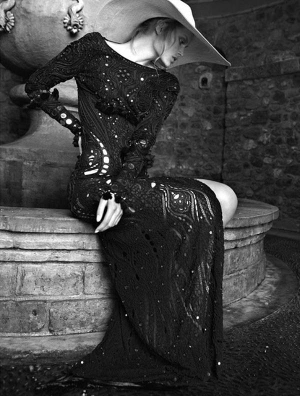 hellas6 Charlotte Cordes za Vogue Hellas jun 2011.