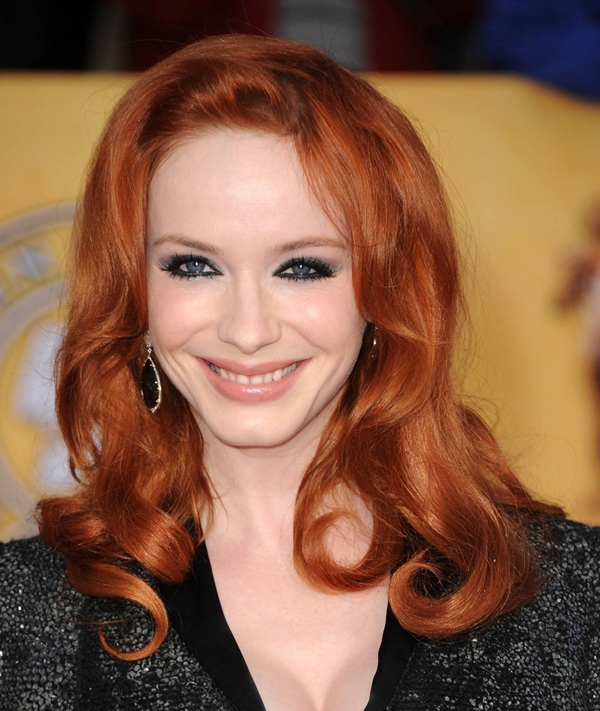 red hair christina hendricks Vatra u kosi