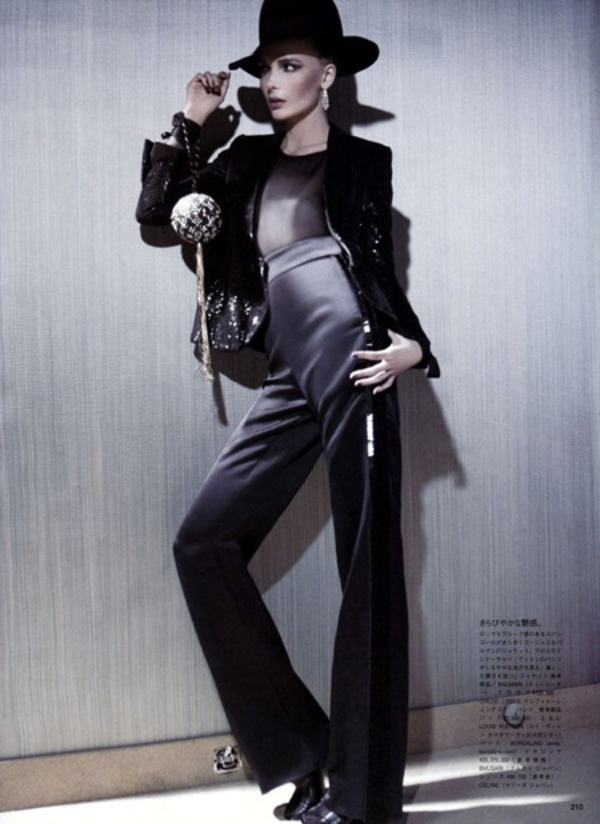 129 Snejana Onopka za Vogue Japan jul 2011.