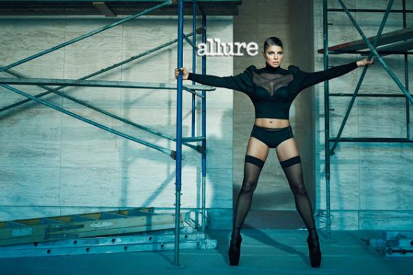 144 Fergie za Allure jul 2011.