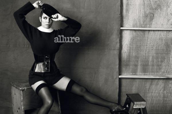 423 Fergie za Allure jul 2011.