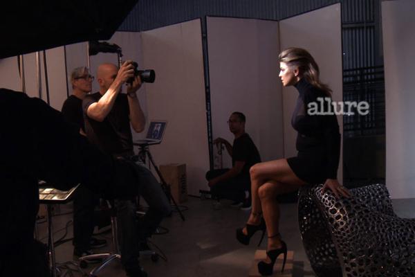 810 Fergie za Allure jul 2011.