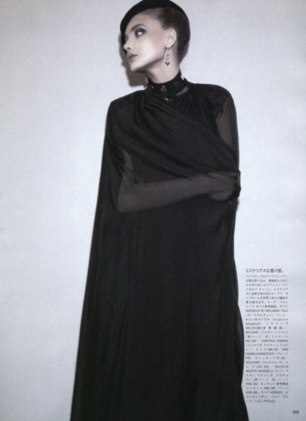 87 Snejana Onopka za Vogue Japan jul 2011.