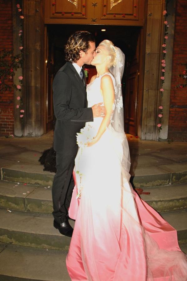 Gstefani gl 5apr11 getty b 592x888 Hollywood Red Lips: Gwen Stefani