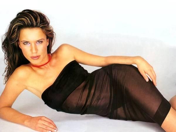 Rhona Mitra 5 Rona Mitra: Lara Kroft devedesetih